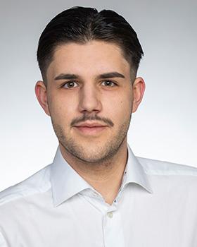 Elijah Kriegs, Sales Manager / Flights