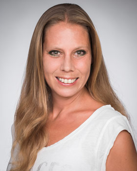 Simone Schwarz, Travel Agent / Accounting