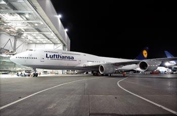 Der neue Jumbo: Lufthansa Boeing 747-8 Intercontinental im Hangar